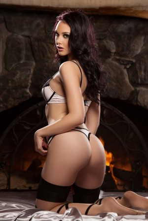 Vicky Affordable London Escorts